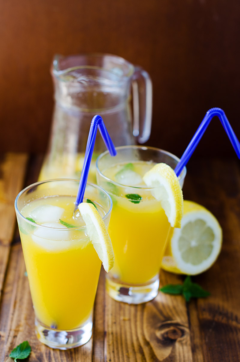 Fresh Mango Lemonade