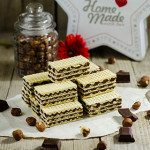 [:en]Chocolate Hazelnut Wafer Bars (Oblatne with Choco-Hazelnut Filling)[:hr]Oblatne sa lješnjacima i čokoladom[:]