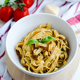 One-Pot Creamy Pasta with Sun Dried Tomatoes